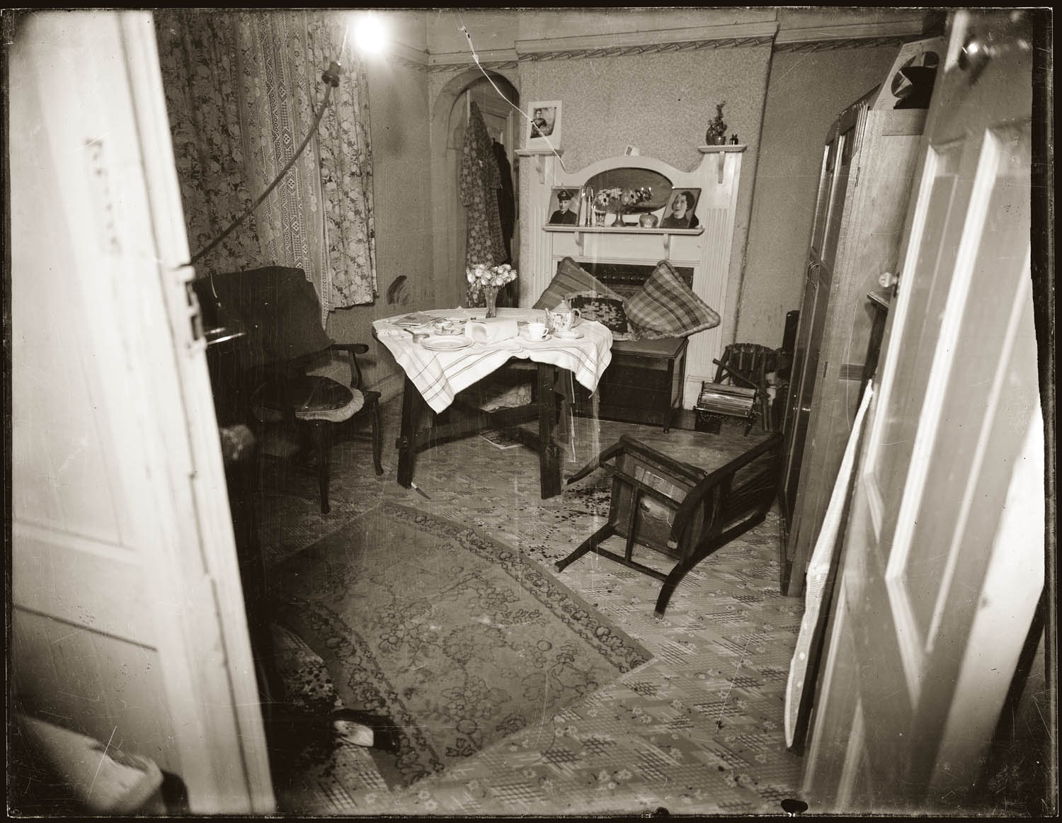 10 Moving Crime Scene Photos From The 1940s We Heart