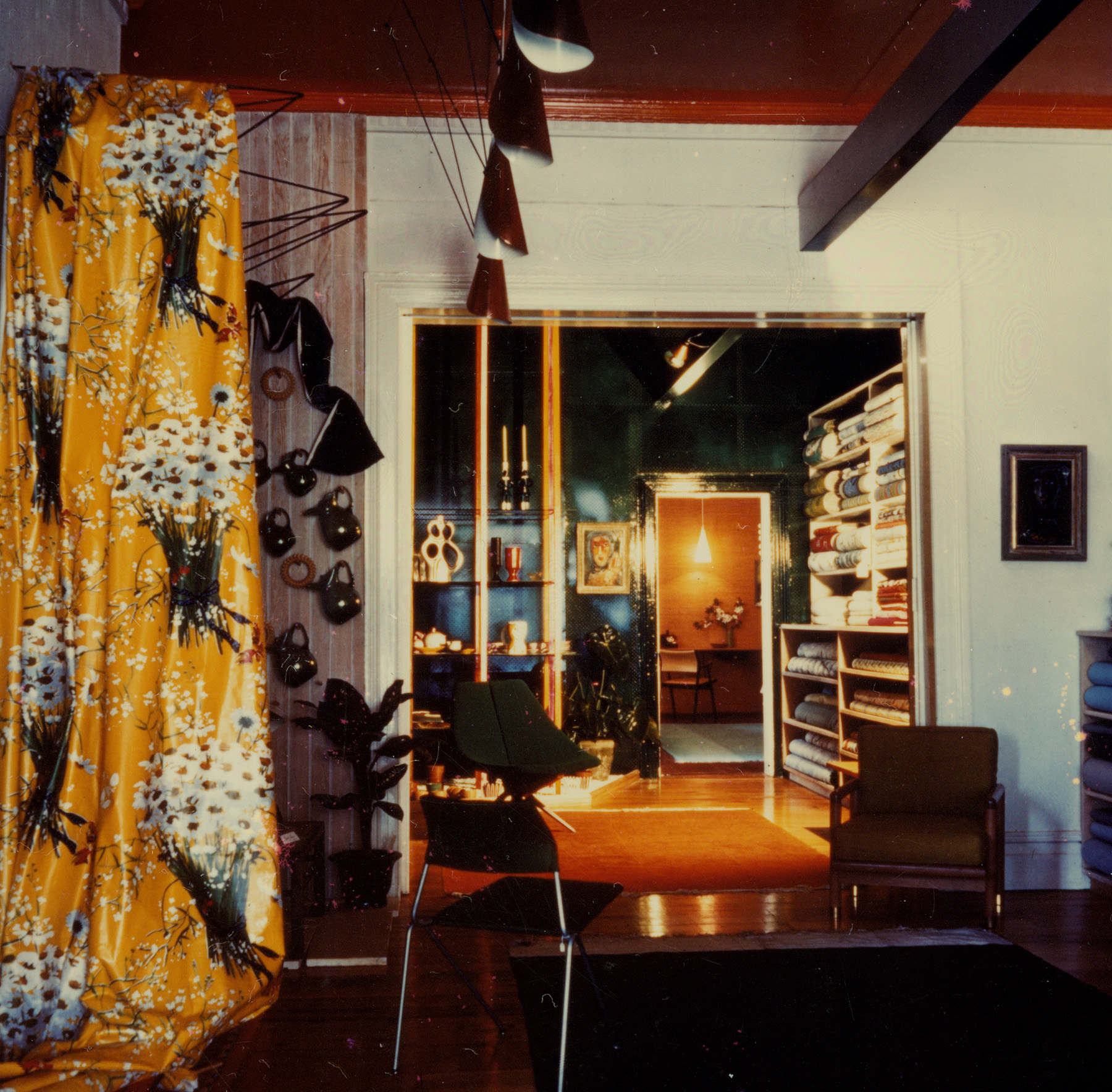 Marion Best Pty Ltd showroom, Queen Street Woollahra, 1956 / photographed by Antonia Blaxland