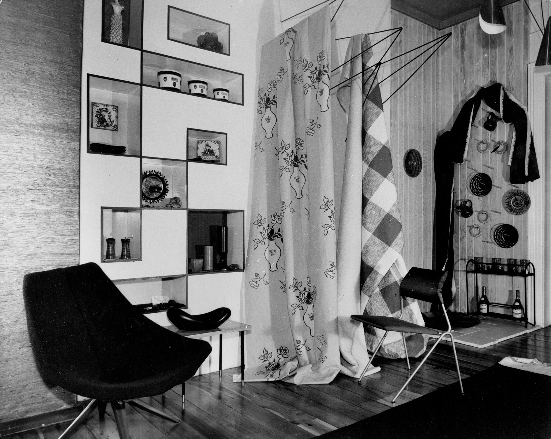 Ceramics and textiles on display in Marion Best Pty Ltd showroom, Queen Street Woollahra, 1956 / photographed by Antonia Blaxland