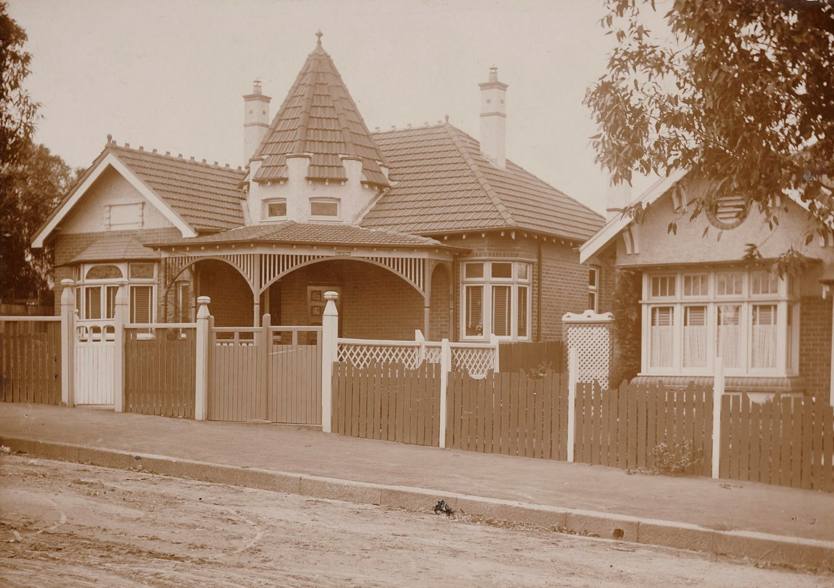 Glen Dhu, 11 Dickson Street, Haberfield, N.S.W. around 1913 / photographer unknown