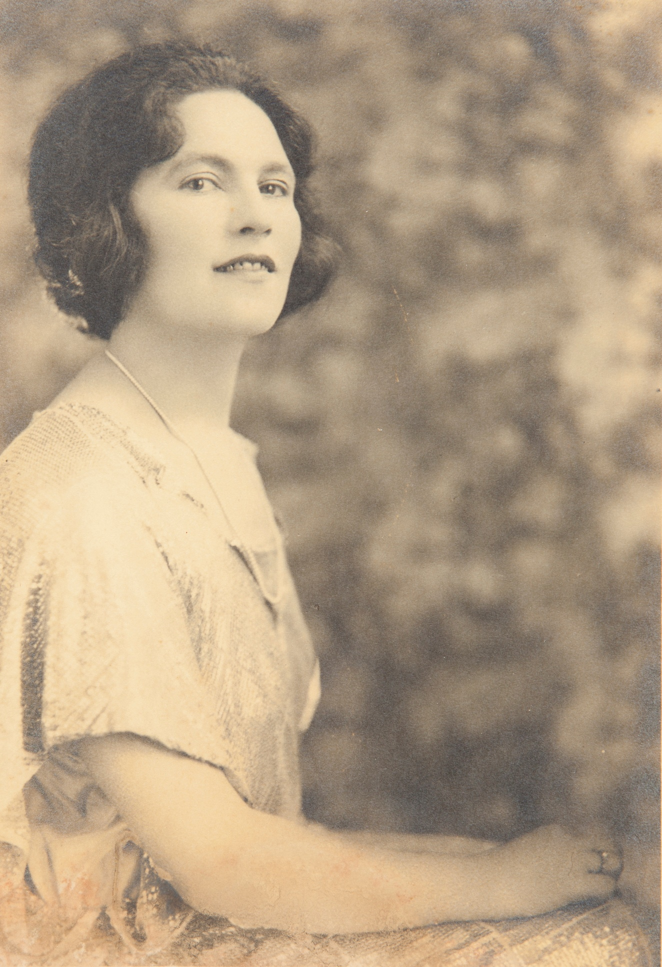Studio portrait of Linda Dibbs, nee Alexander, around 1923 / Bernice Agar