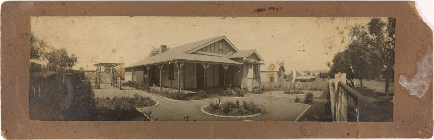 Unidentified Federation house with a formal garden and rustic pergola, around 1910 / photographer unknown